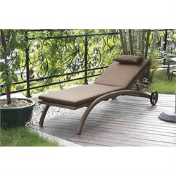 Lounger Beige with wheels & cushion